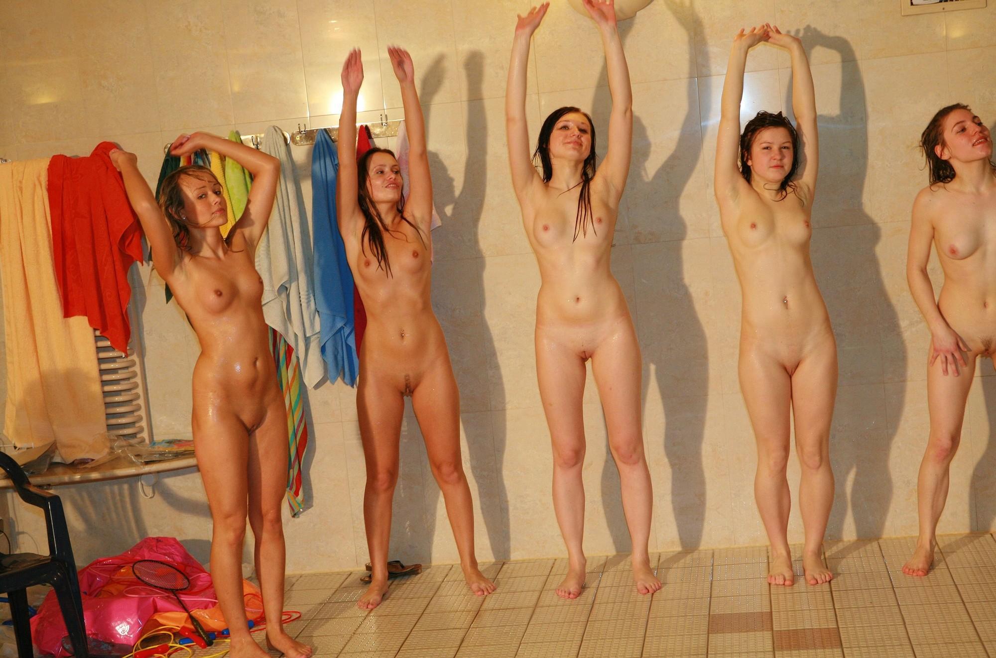 Физкультура голые порно