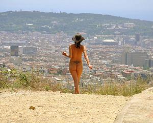 agnes-b-barcelona-nude-in-public