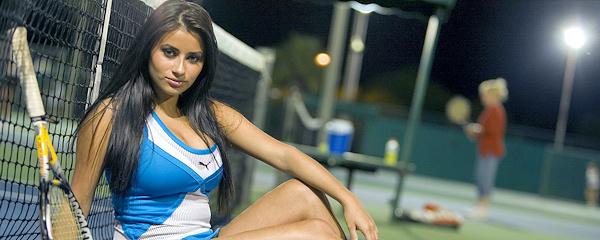 Alexa Loren – Nocna partyjka tenisa