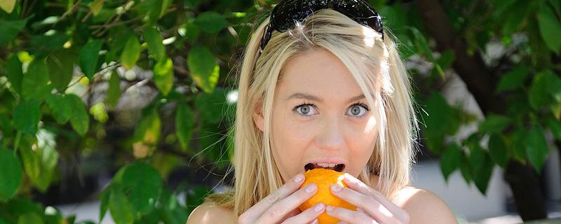 Alison Angel – Darmowe pomarańcze