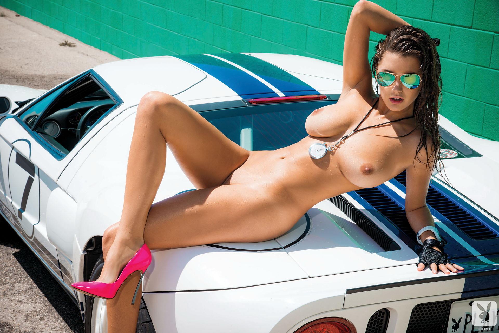 Фото обнажённые девушки и авто 11 фотография