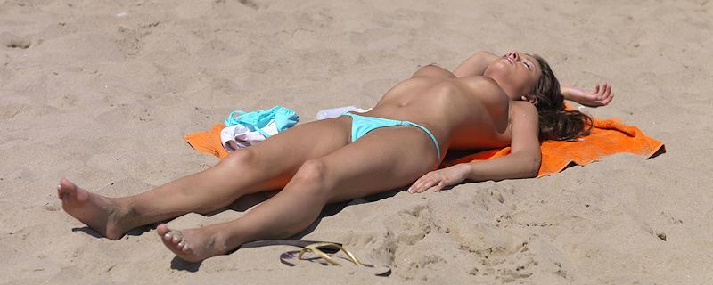 Anastasia na plazy nudystow