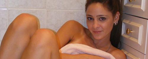 Annabelle Angel pod prysznicem