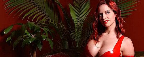 Bianca Beauchamp w czerwonym lateksie