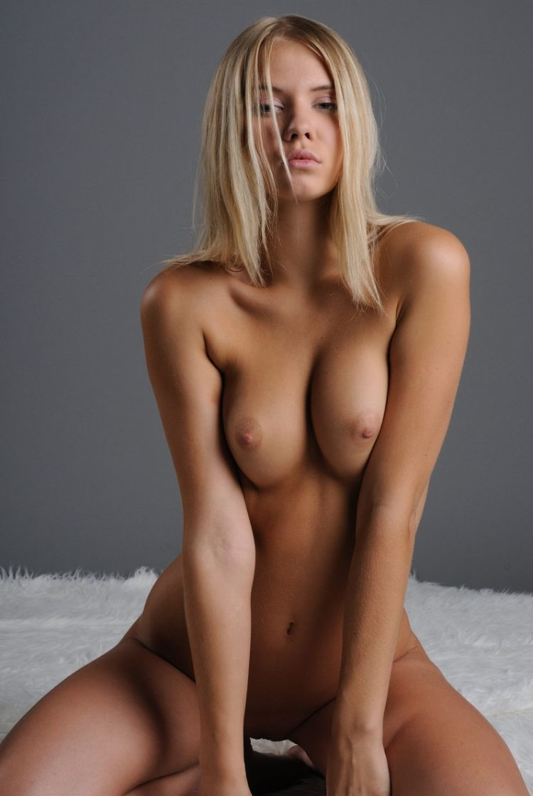 Naga girls naked brest images sexy thumbs