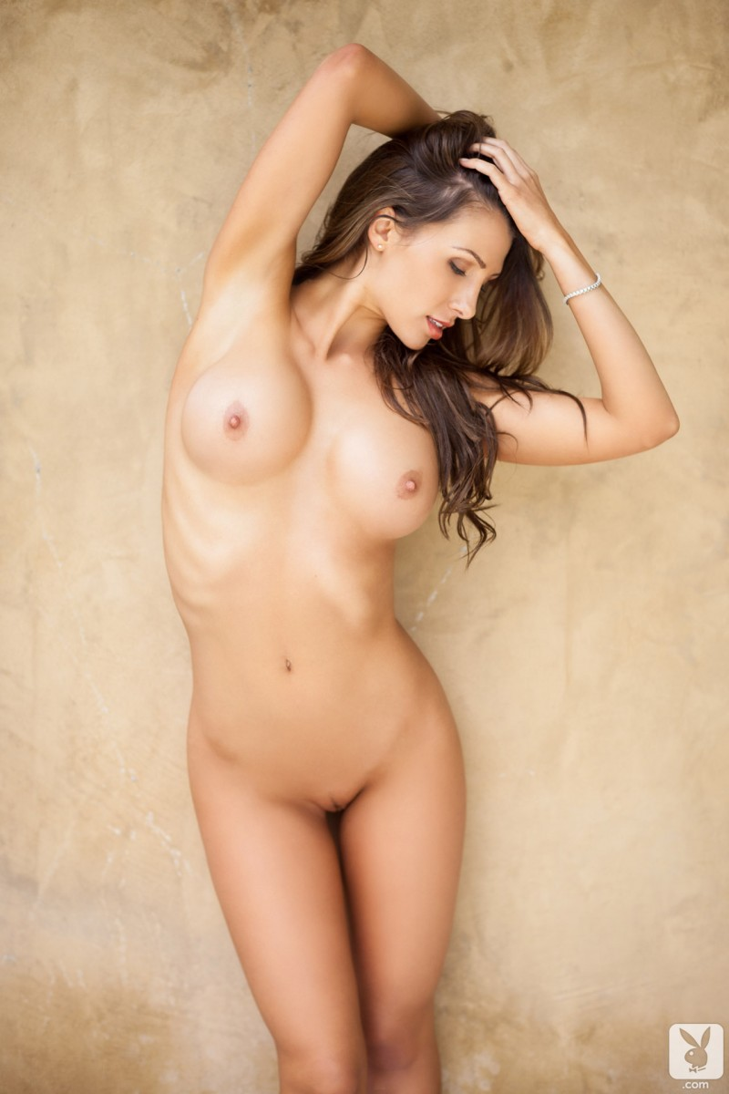 bath-jenniffer-connelly-nude