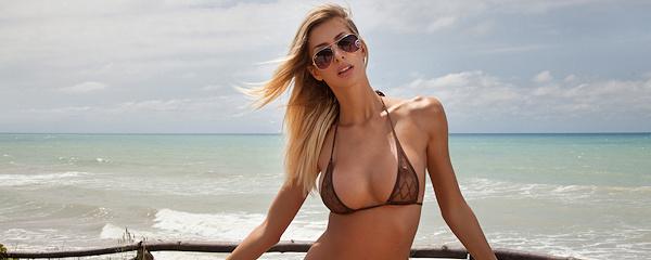 Claudia w bikini