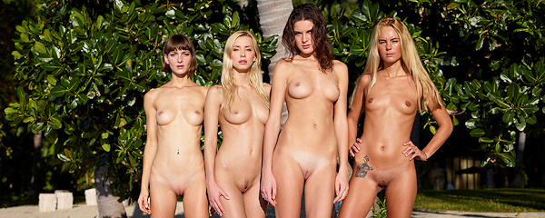 Cox, Thea, Flora i Zaika – Nago na plaży