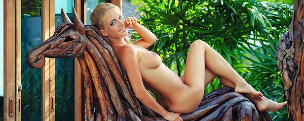 Danica na drewnianym koniu