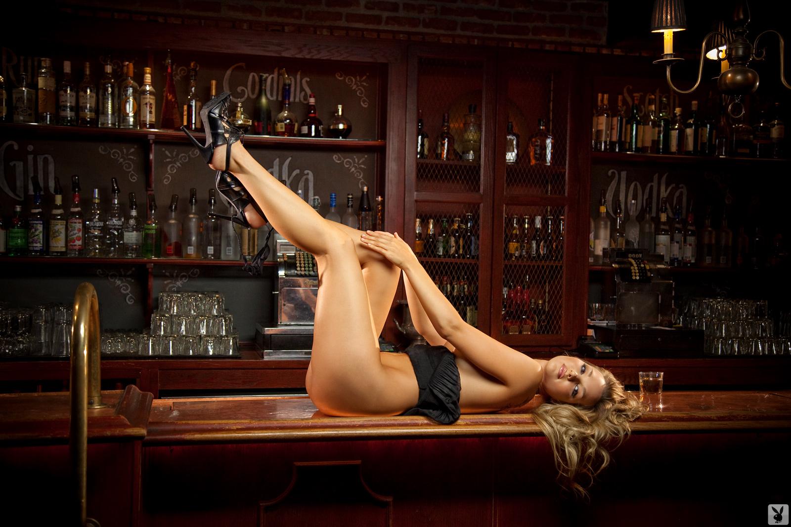 Секс за барной стойке 9 фотография