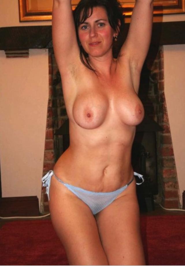 naked sexy milf mom