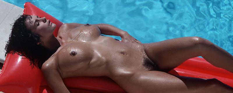 Donna Ewin na basenie