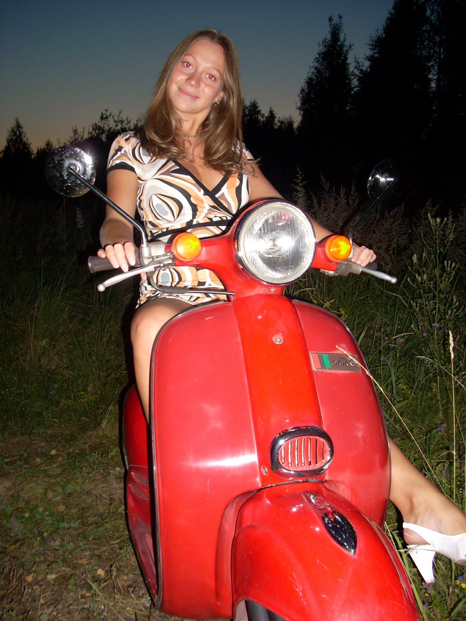 chubby-amateur-girl-nude-outdoor-tits-ass-02