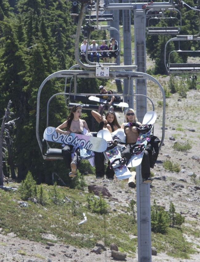 playboy-playmates-snowboard-01