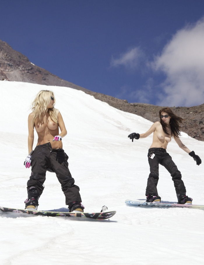playboy-playmates-snowboard-07