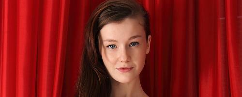 Emily Bloom – Czerwone firanki