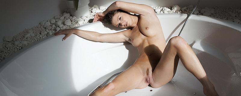 Eva G – Wanna z hydromasażem