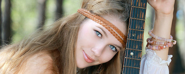 Genevieve Gandi – Dziewczyna z gitarą