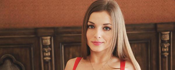 Giulia w czerwonym body (część 2)