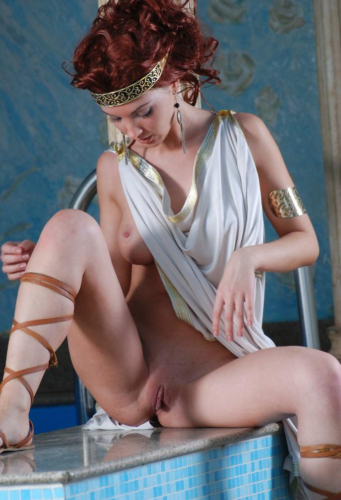 beautiful nude greek girl