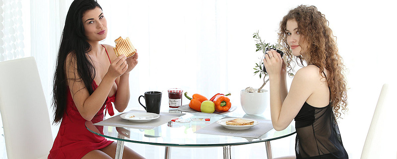 Heidi i Lucy Li – Wspólne śniadanie