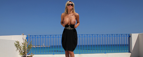 Holly Henderson – Taras z widokiem na morze