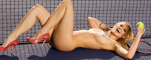 Irina Voronina gra w tenisa