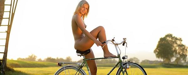 Jenni na rowerze