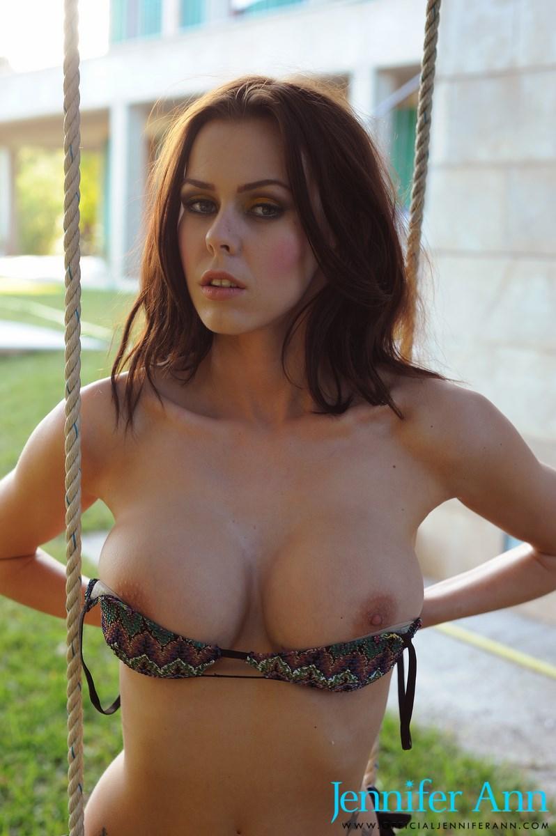 Ann hathaway naked