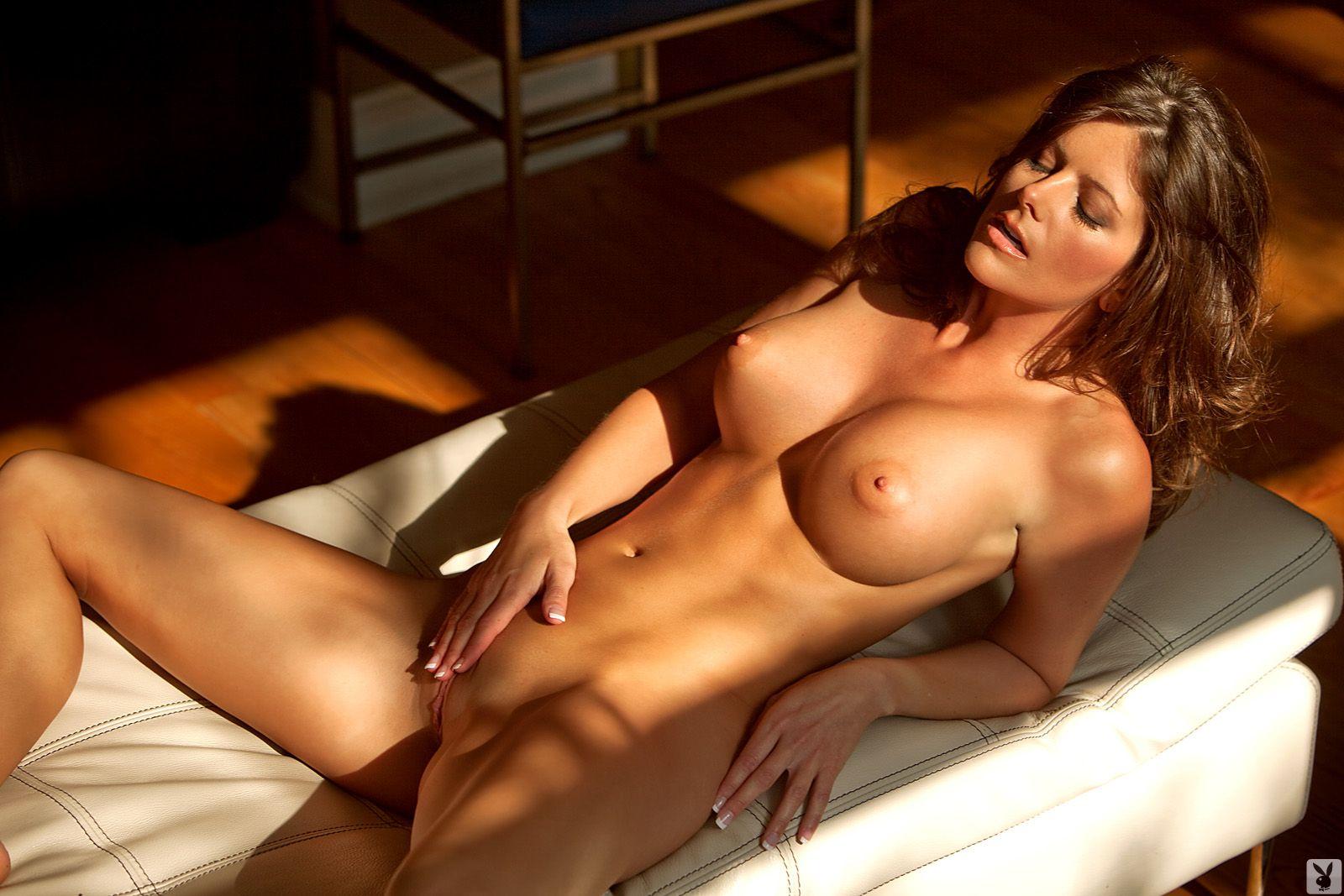 Эротические фотосеты красивых женщин, Эротика - смотреть лучшую фото эротику бесплатно 2 фотография