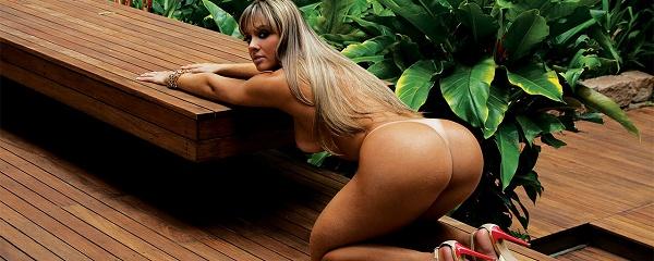 Juliana Salimeni – Kształtna Brazylijka