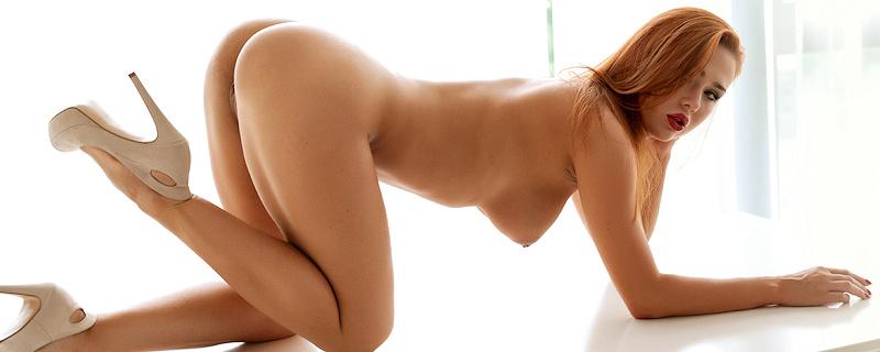Justyna w srebrnym bikini