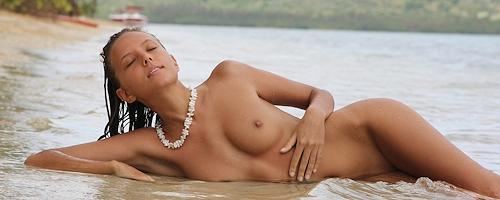 Katya Clover na plaży
