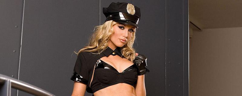 Kayden Kross – Funkcjonariuszka policji