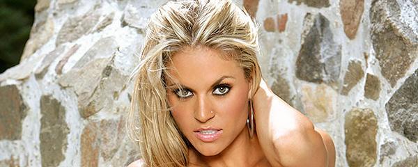 Kelly Hargraves w bikini