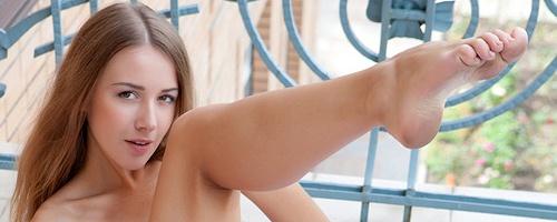 Lina Diamond na balkonie