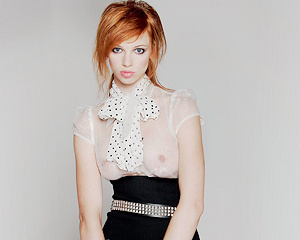 lola-redhead-schoolgirl-punk-beautyisdivine