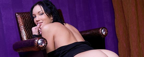 Loreen w czarnym peniuarze