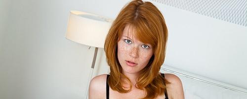 Lynette w sypialni