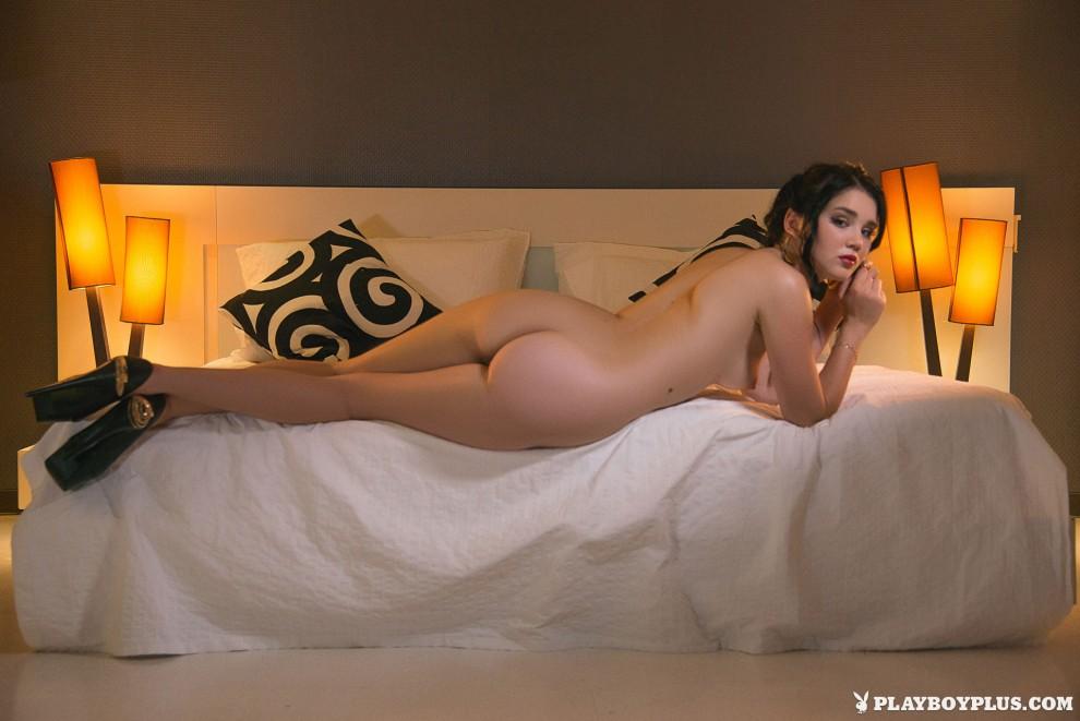 Brunetka Pokazuje Night Erotyczne Porndig 1