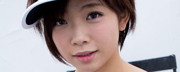 Mana Sakura – Szybka kąpiel po joggingu