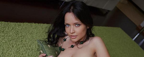 Marica na zielonym dywaniku
