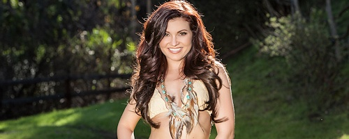 Mariela Henderson w bikini