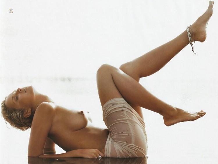 Monika Mrozowska nago