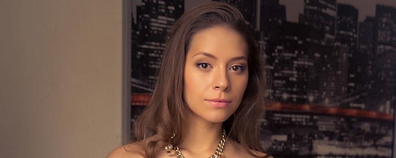 Olya Fey – Czarna bielizna i pończochy