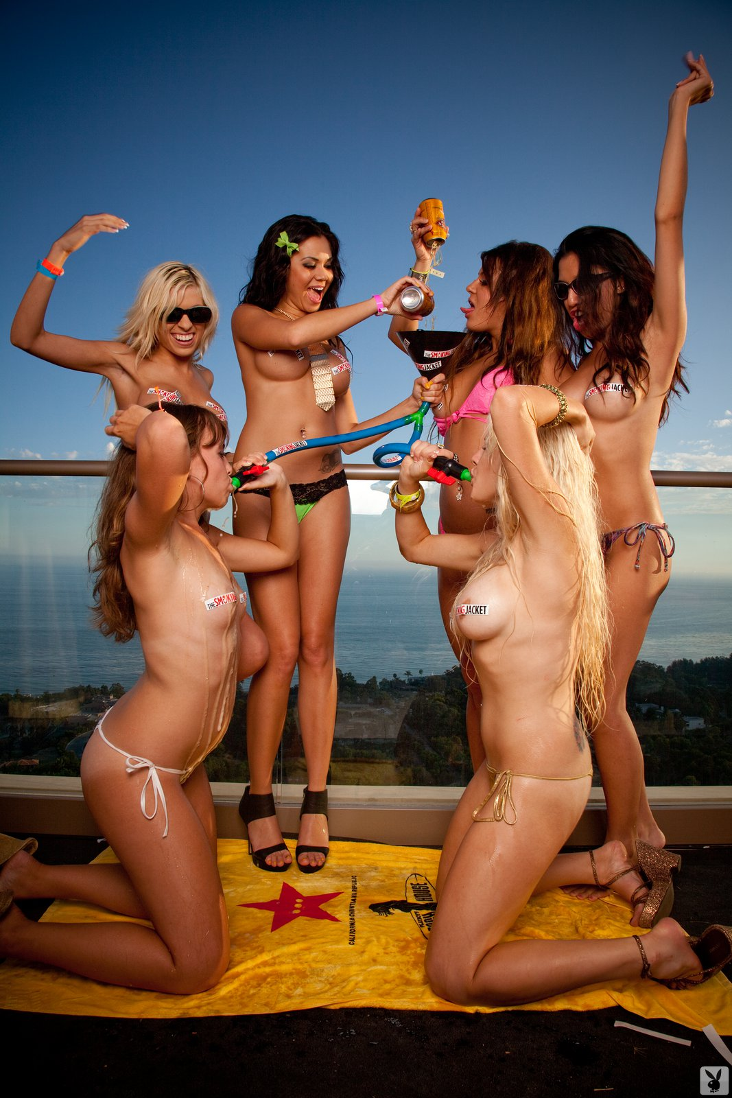 Фото с вечеринки playboy 8 фотография