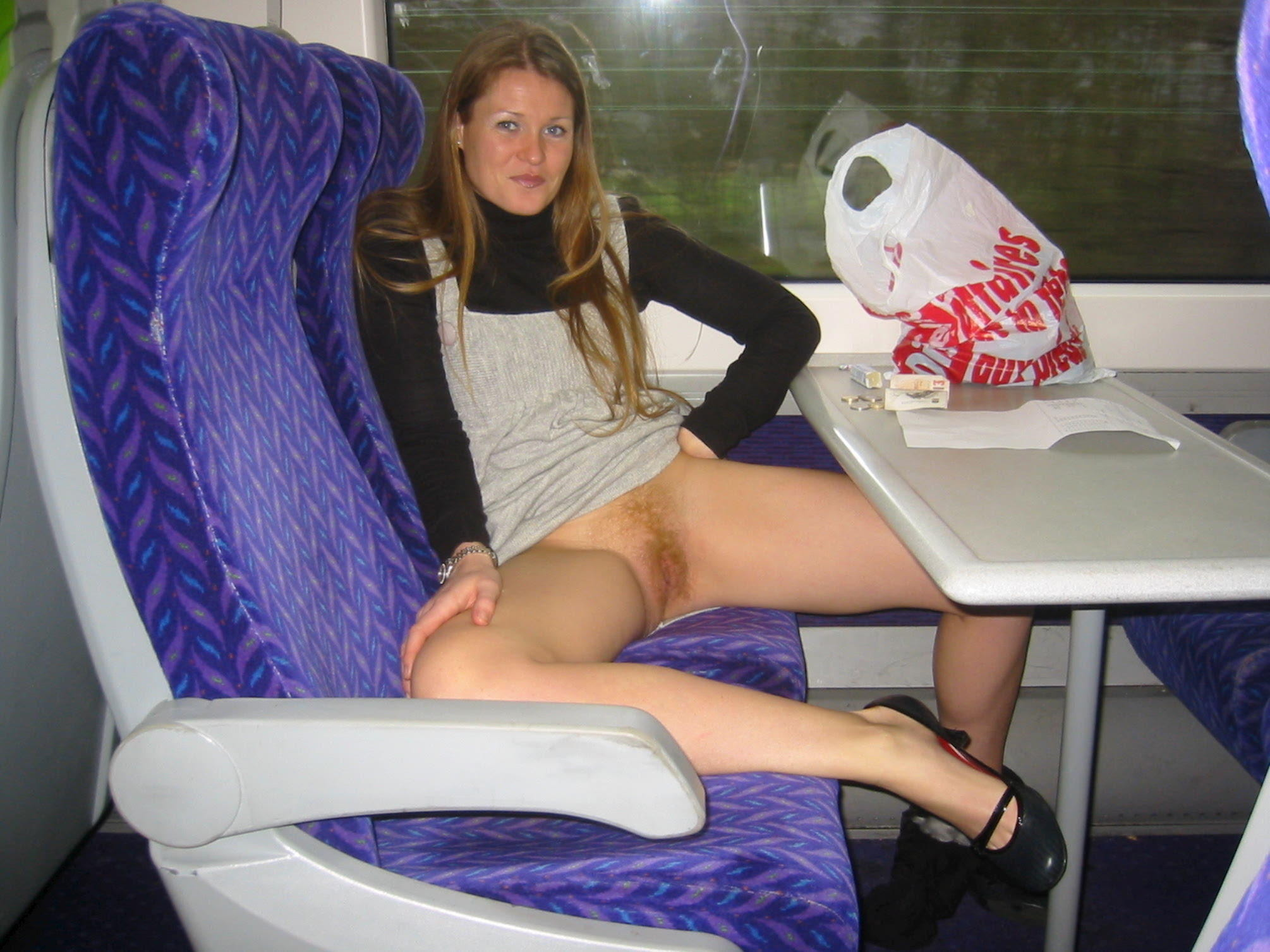 Публичное порно в поезде 12 фотография