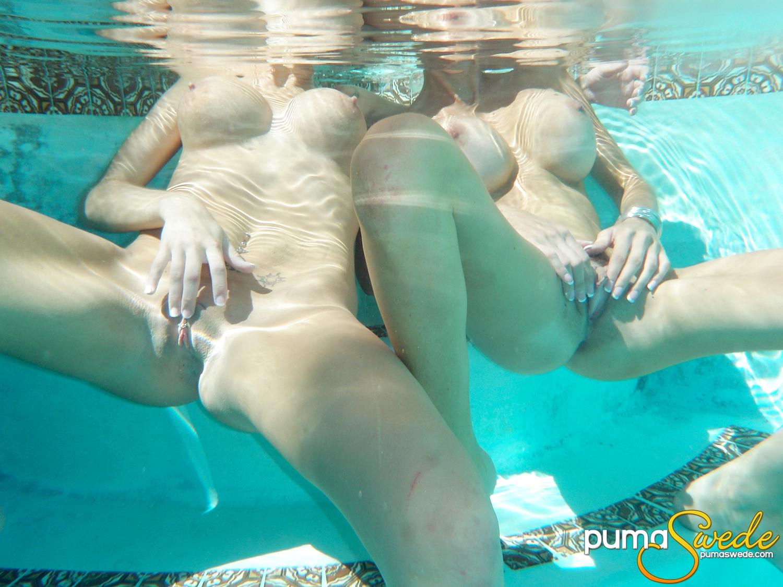 Водой под порно сминетом