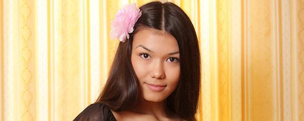 Rita – Kwiatek we włosach