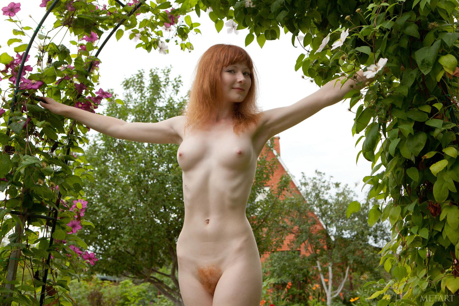 Рыжая девушка с веснушками голая 4 фотография